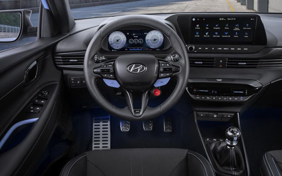 interni di Hyundai i20 N