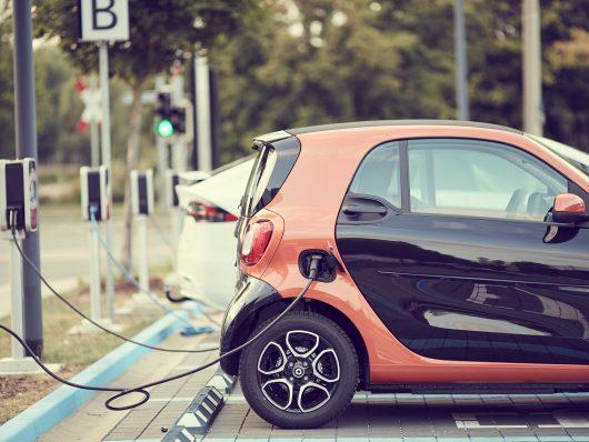ricarica dell'auto elettrica