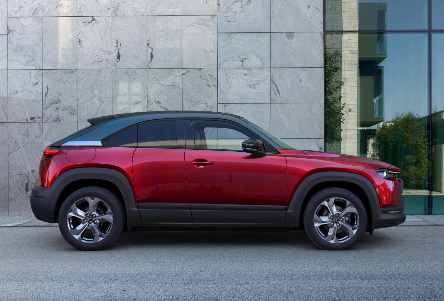 Esterni nuova Mazda MX-30