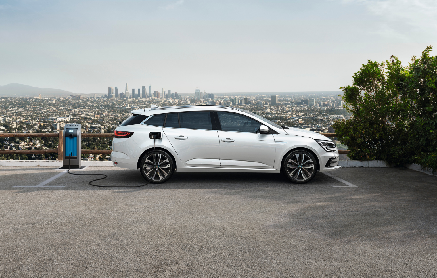 Ricarica nuova Renault Megane E-Tech