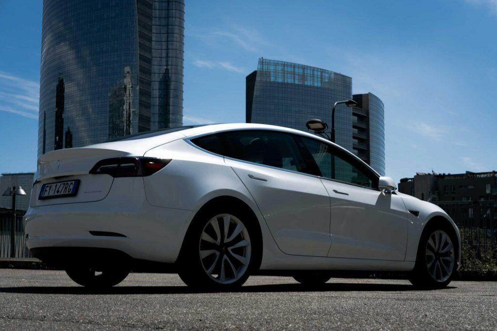 Tesla Model 3 Long Rage -