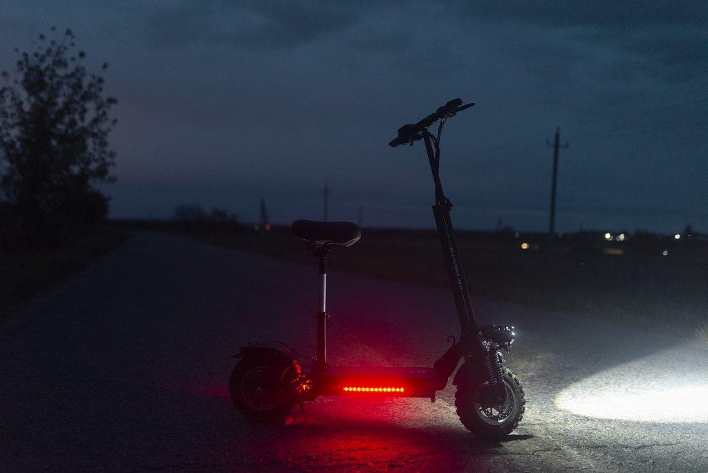 codice della strada monopattini elettrici - luci