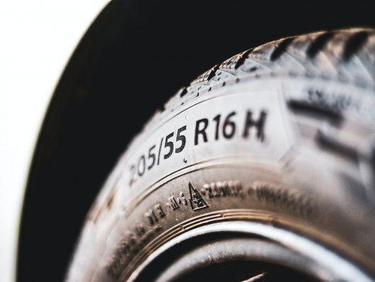 gomme auto - nuova etichetta