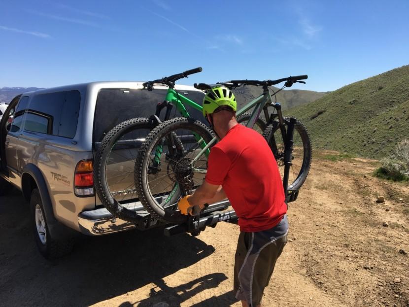 porta bici per auto - gancio a traino