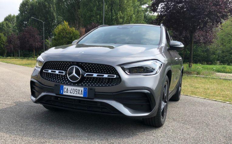 Frontale nuova Mercedes GLA