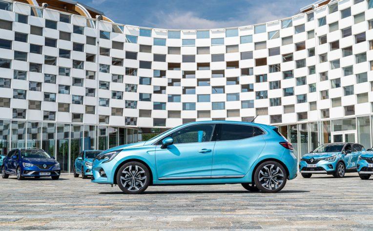 Gamma ibrida Renault E-Tech test drive