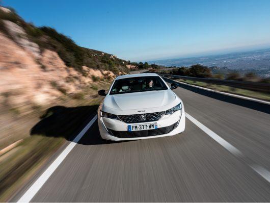 guida nuova Peugeot 508 Hybrid 2020