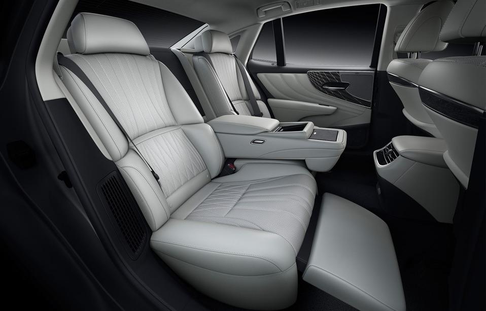 sedili di Lexus LS 2021