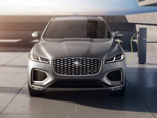 Jaguar F-Pace 2021 ibrida plug-in