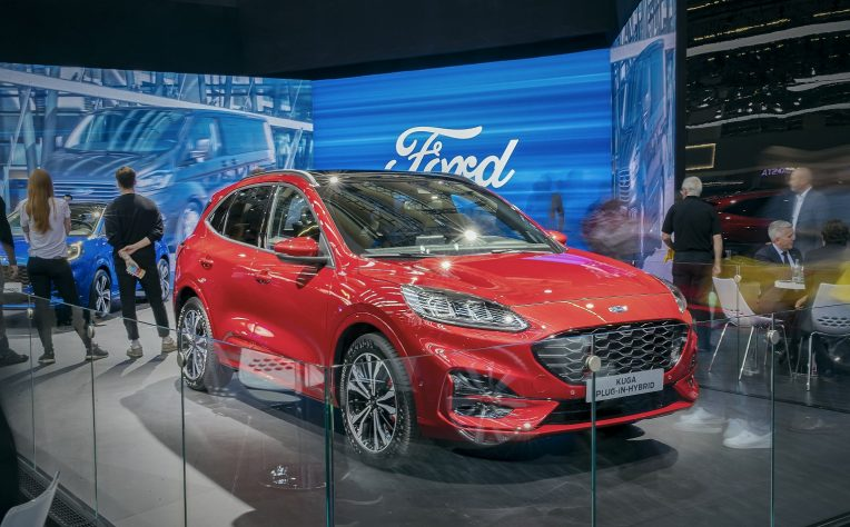 Presentazione nuova Ford Kuga Plug-in Hybrid
