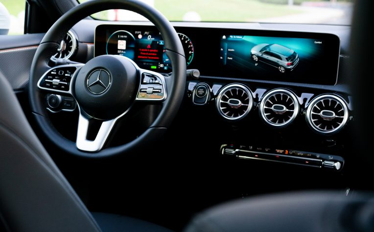 Geotab partner Mercedes-Benz Connectivity Services