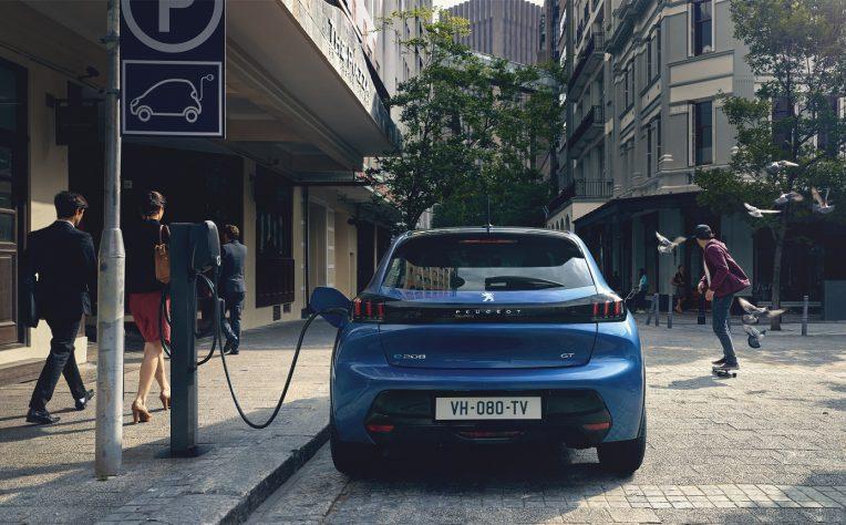 nuova Peugeot e-208 2020