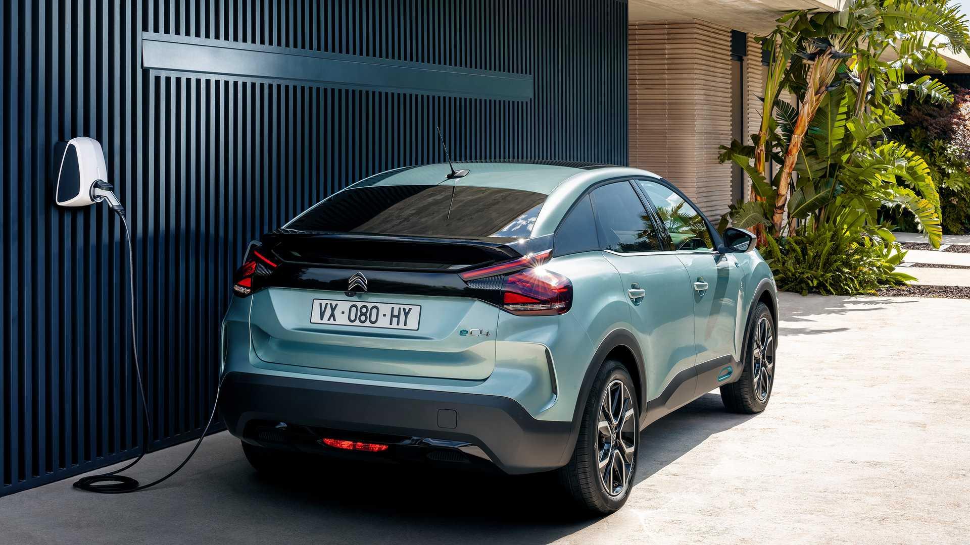 Il retro di nuova Citroën e-C4