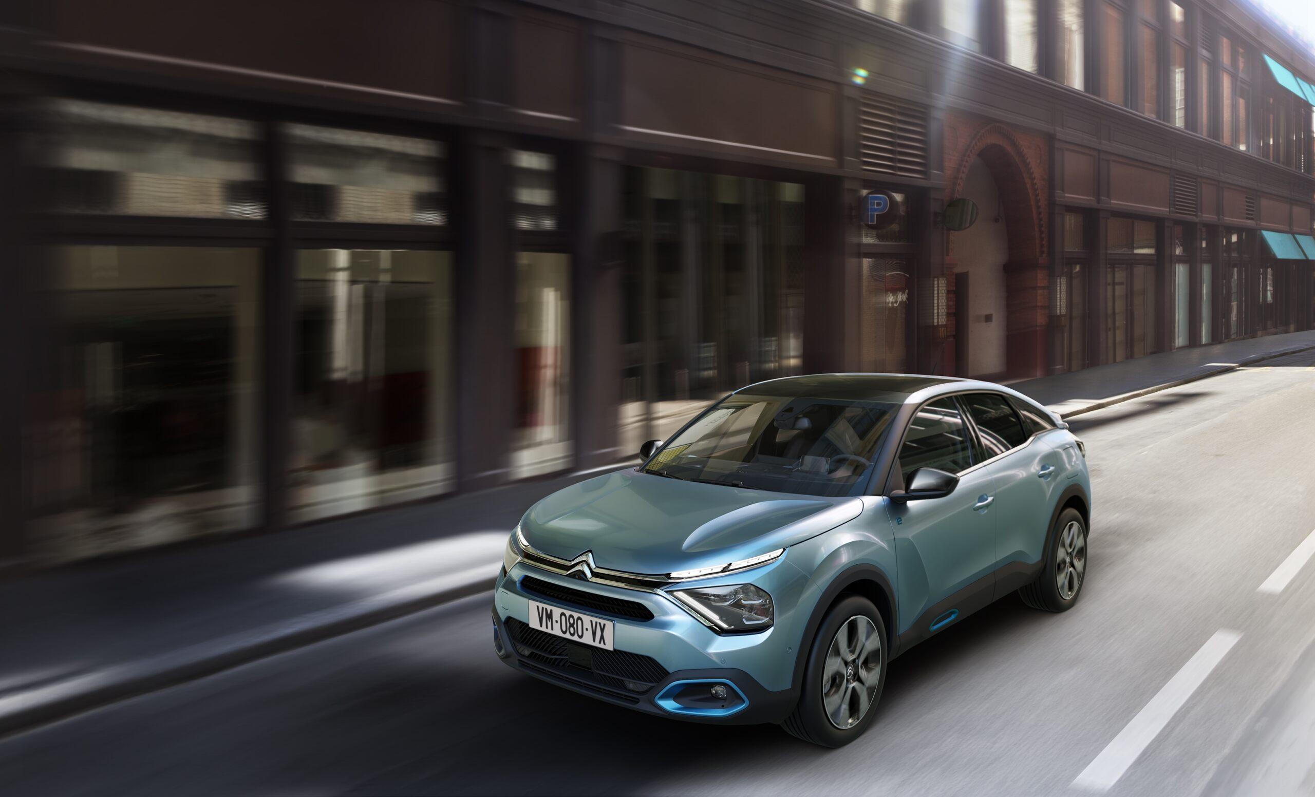 Nuova Citroën e-C4: la guida in città