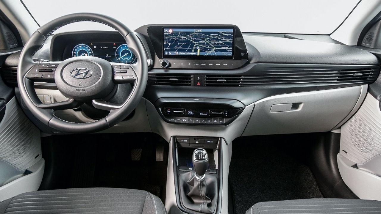 La nuova plancia connessa di Hyundai i20 Hybrid