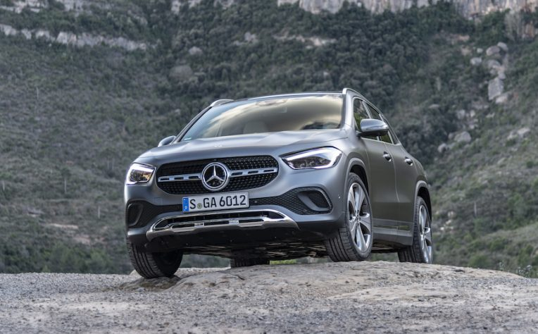 Mercedes GLA ibrida plug-in