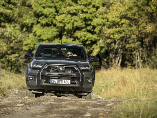 Nuovo Toyota Hilux 2021 pick-up