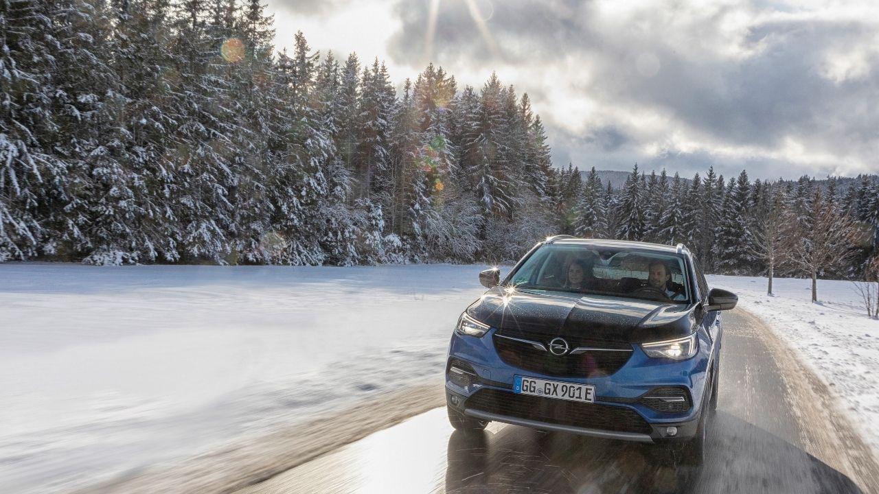 Opel Grandland X MY21 si adatta ad ancora più situazioni