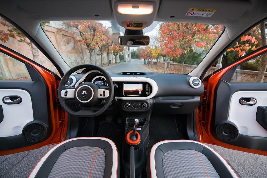 Renault-Twingo-Electric-interni