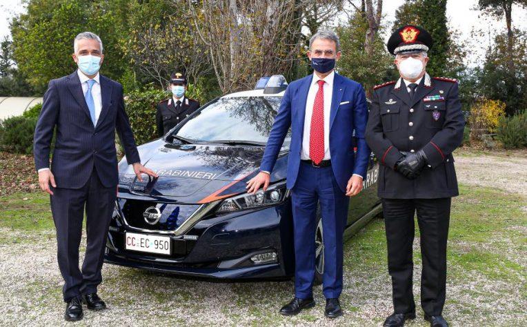 nissan-leaf-carabinieri
