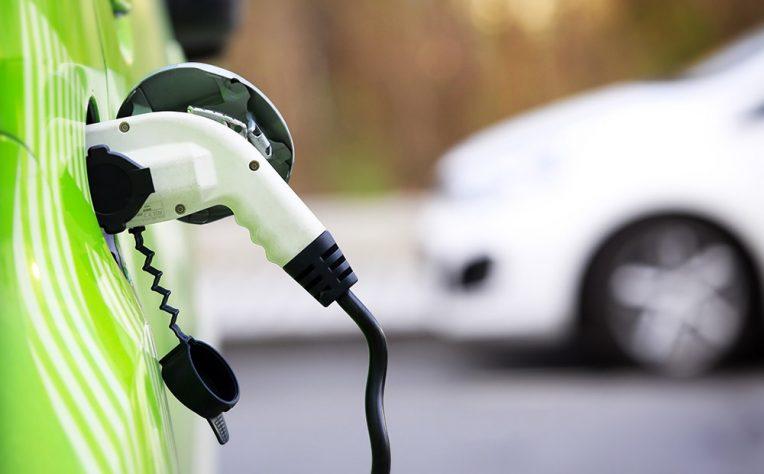 noleggio auto elettriche crescita italia