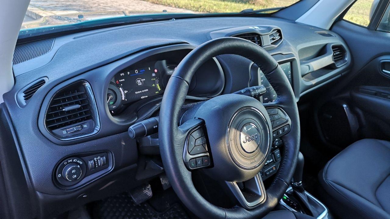 Dettaglio degli interni di Jeep Renegade 4xe