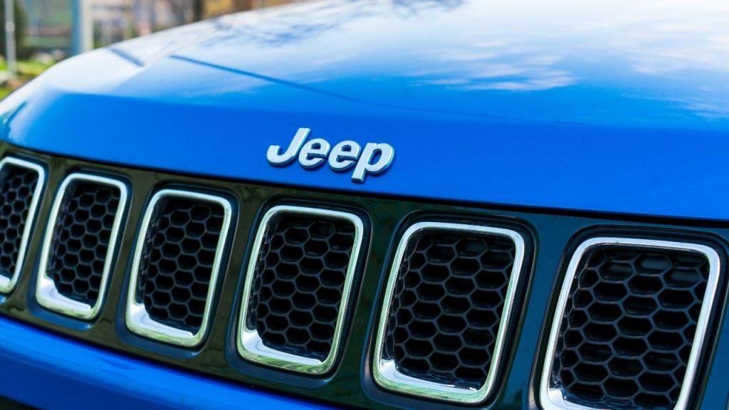 La griglia di Jeep Compass 4xe