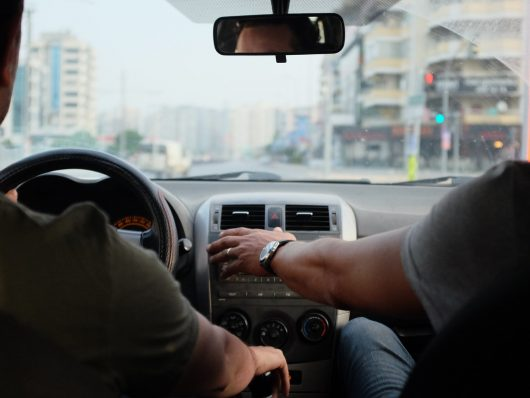 chi-può-guidare-auto-a-noleggio