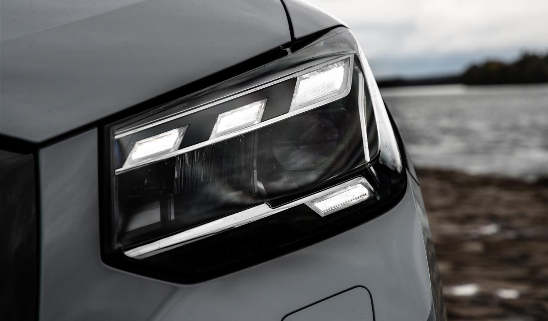 fari Matrix led di Audi Q2
