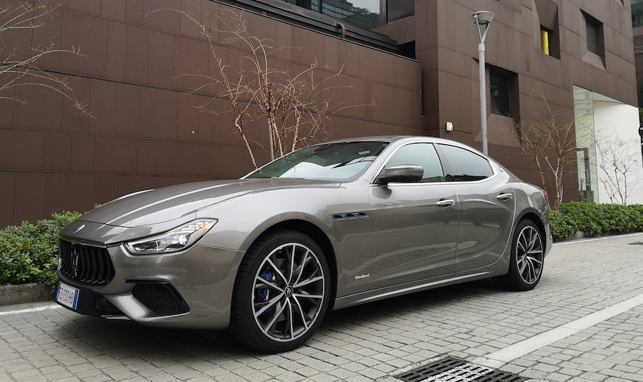 Caratteristiche di Maserati Ghibli Hybrid 2021