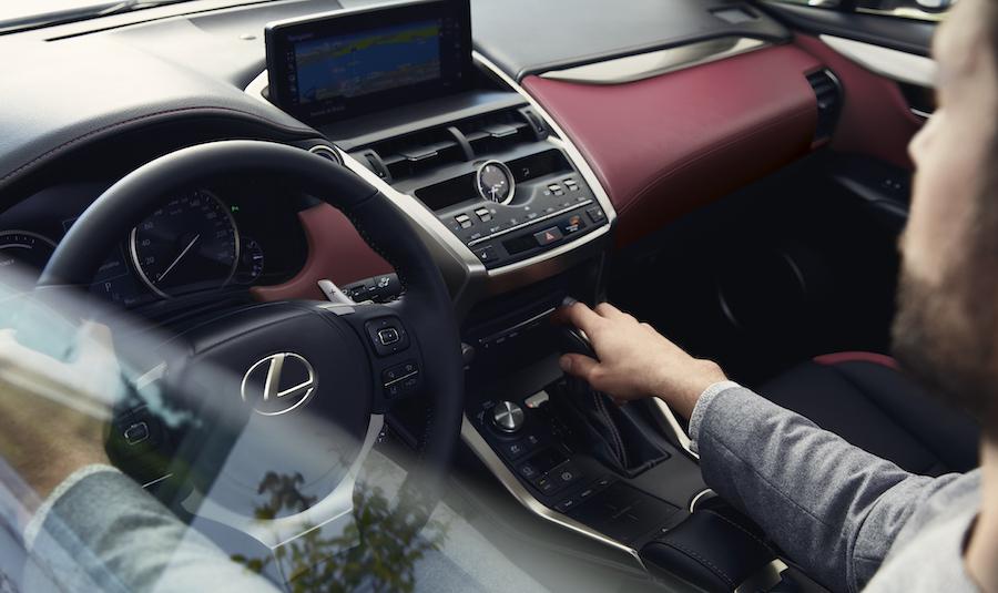 Interni Lexus NX Hybrid