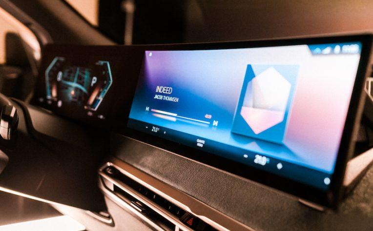 infotainment BMW iDrive CES 2021
