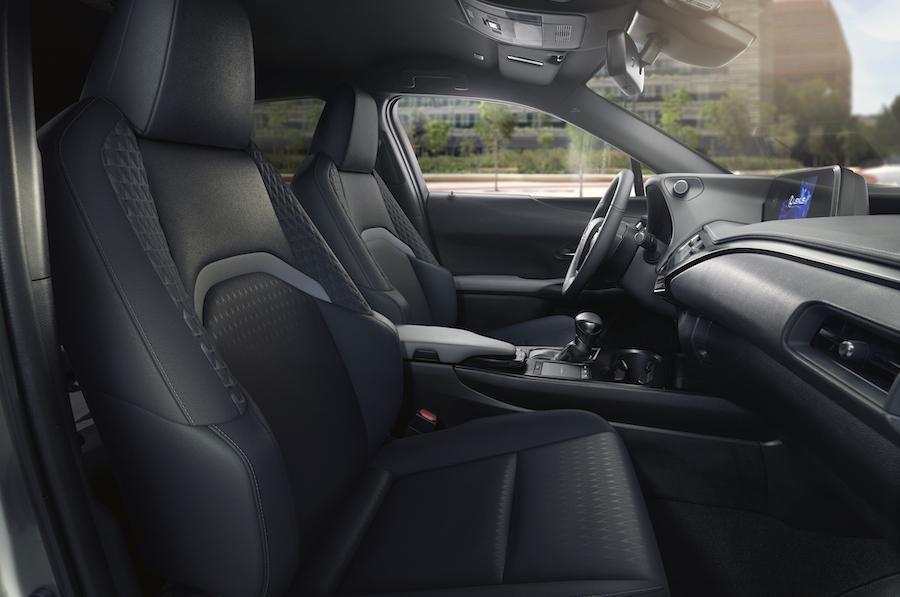 interni Lexus UX Midnight