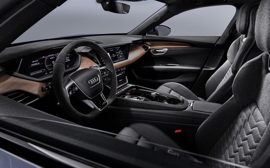 Interni di Audi e-tron GT