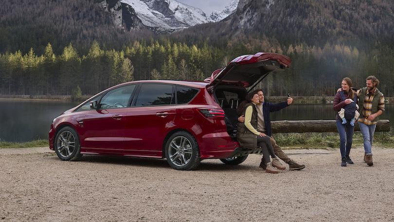 Nuova Ford S-Max Hybrid 7 posti