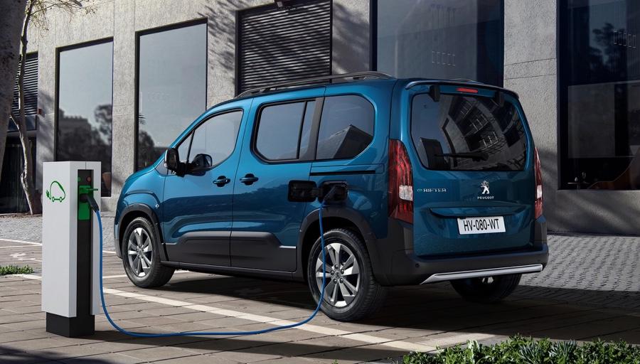Ricarica di Peugeot e-Rifter