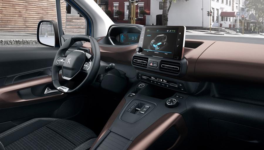 interni di Peugeot Rifter elettrico