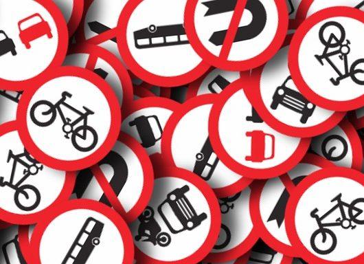 Il significato dei cartelli stradali