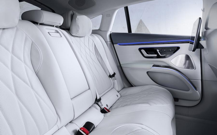 sedili posteriori Mercedes EQS