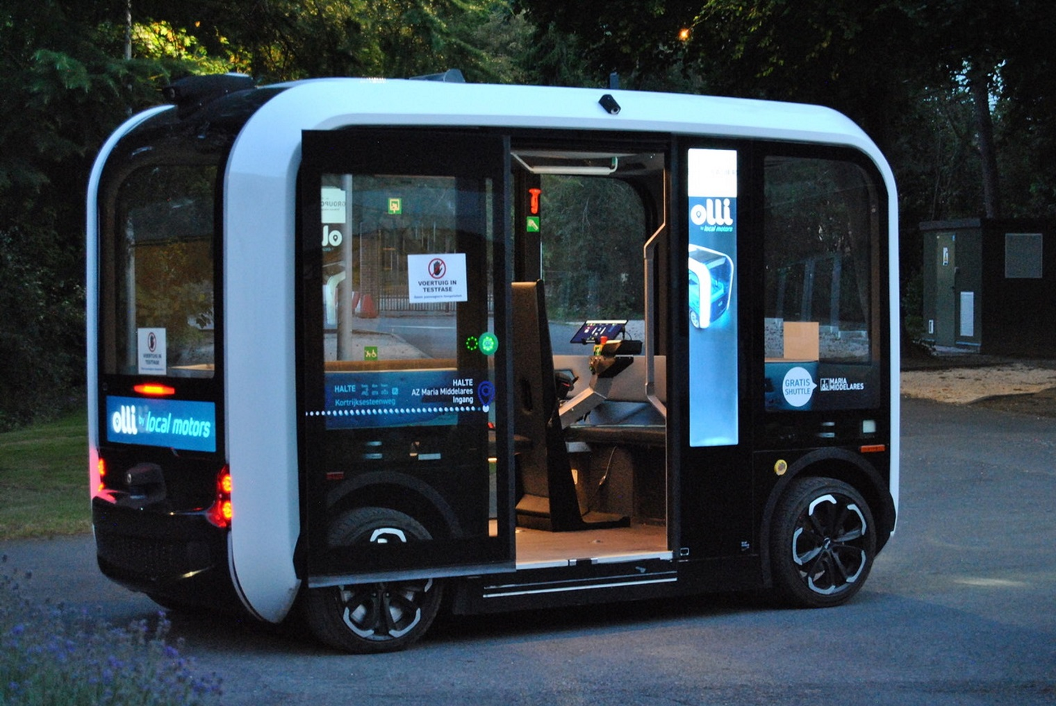 Esterni Olli, minibus elettrico guida autonoma