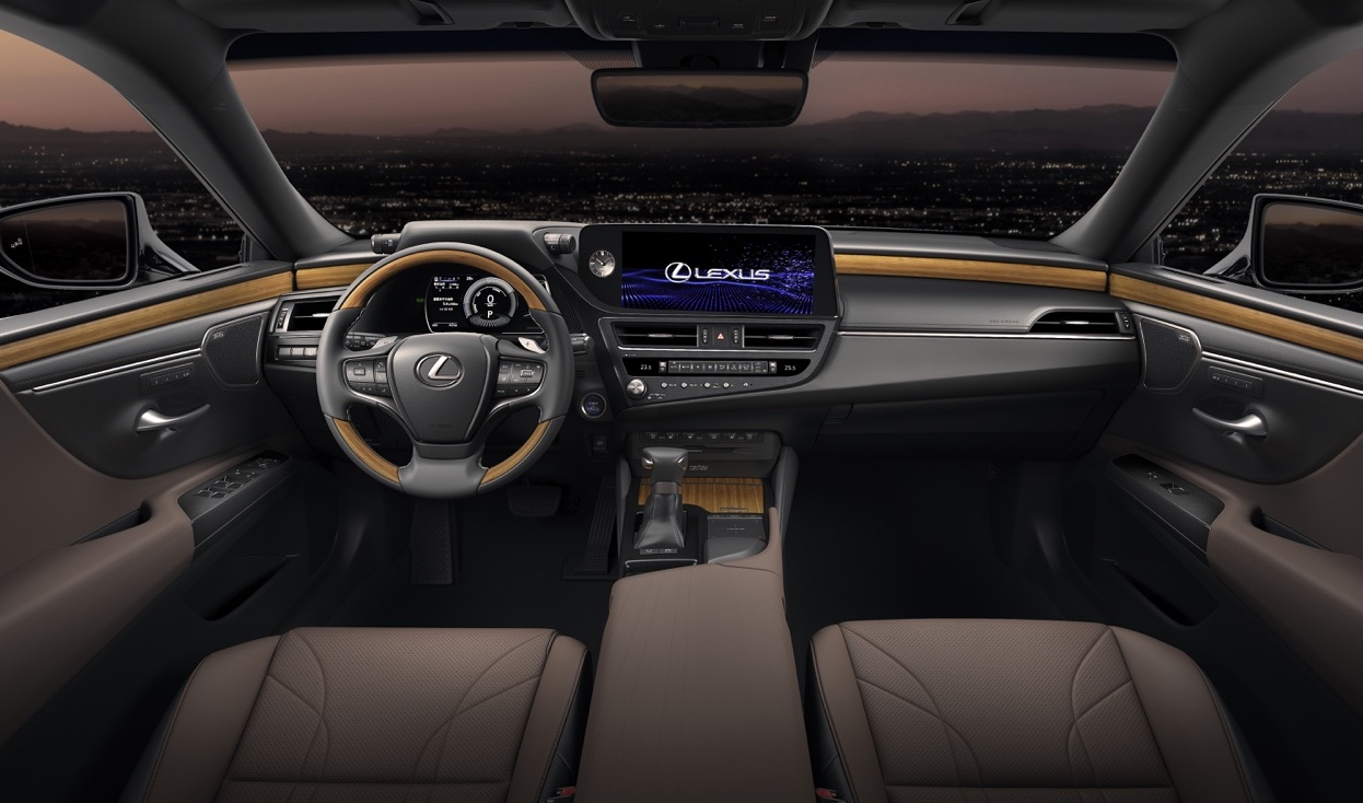 Interni di Lexus ES restyling