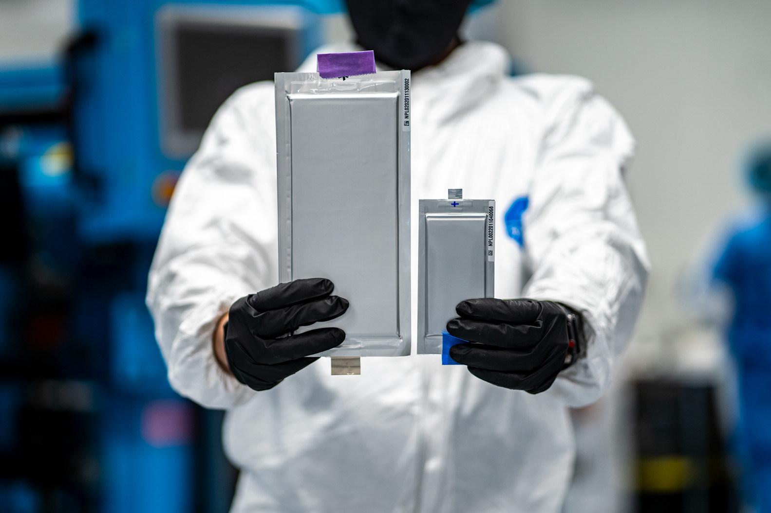 BMW e Ford investono nelle batterie allo stato solido