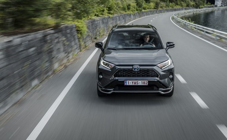 Nuovo Toyota Rav4 Plug-in Hybrid 2021