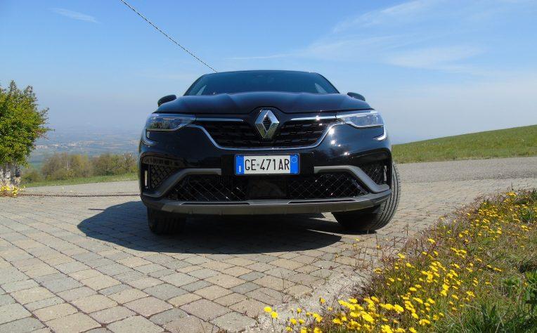 frontale nuova Renault Arkana