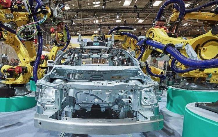 crisi semiconduttori porta la produzione delle auto a picco