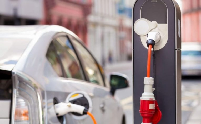 spagna dice addio ad auto benzina e diesel al 2040 e spinge sull'elettrico