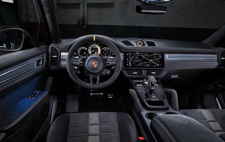 interni di porsche cayenne coupe turbo gt