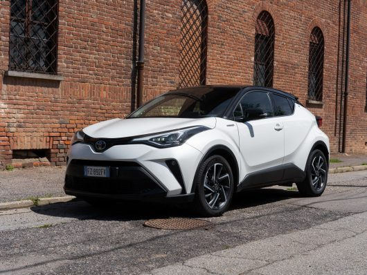 nuova Toyota C-HR Hybrid 2021 Dual Strategy