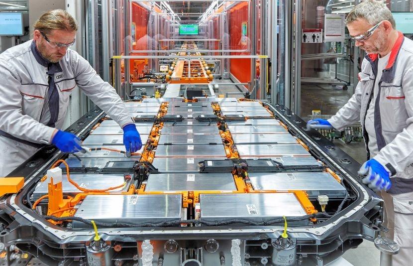Fabbrica batterie auto elettriche