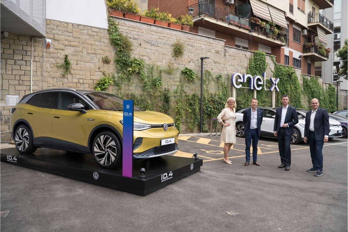 sinergia tra enel x e Volkswagen per punti di ricarica fast